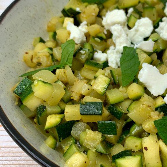 beitragsbild-zucchini-minze-salat