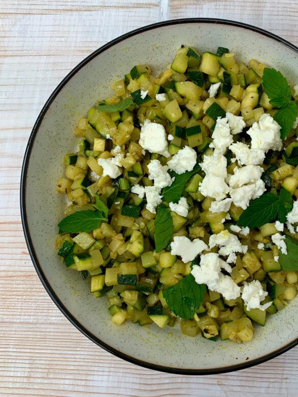 zucchini-minze-salat