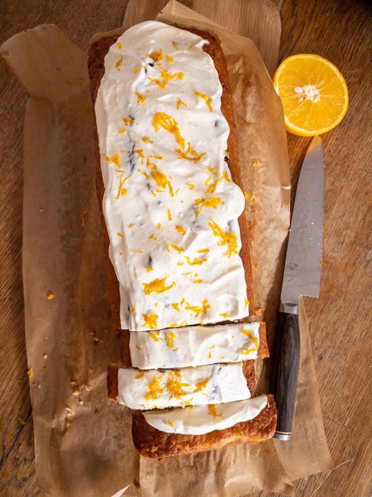 Orangenkuchen mit Frosting - Backen ohne Zucker
